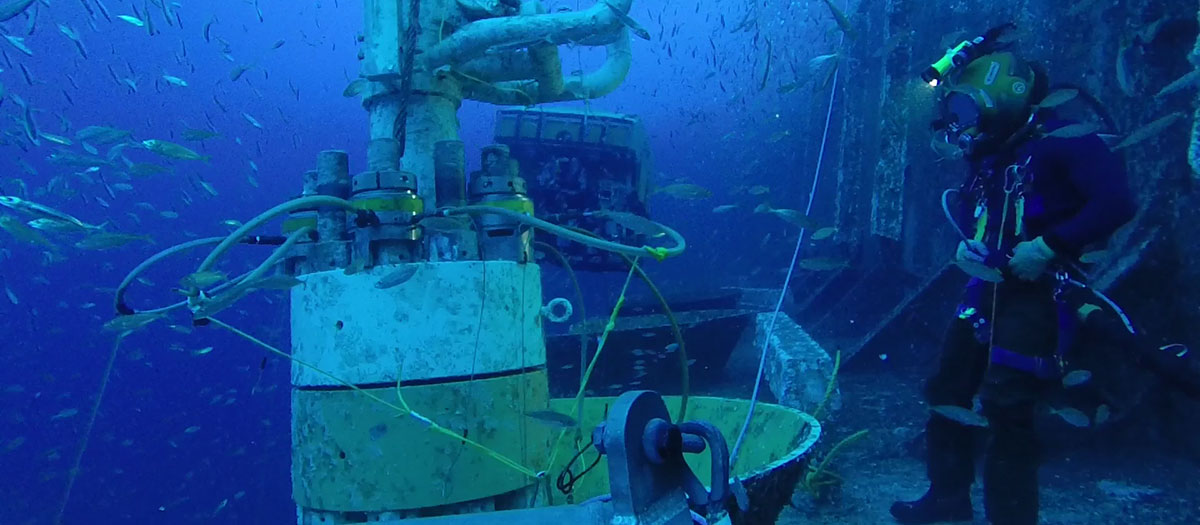 Saturation Diving Companies : Diving services oceaneering international inc