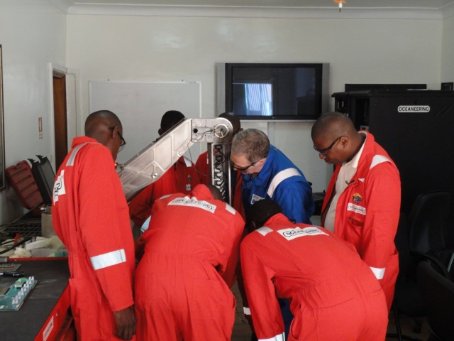 Manipulator Maintenance Training in Angola