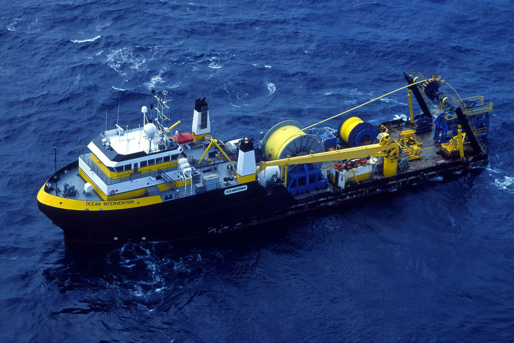 oceaneering, ocean intervention, ROV and diving, vessel, installation, intervention, IMR